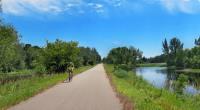 biking-central-lakes-trail